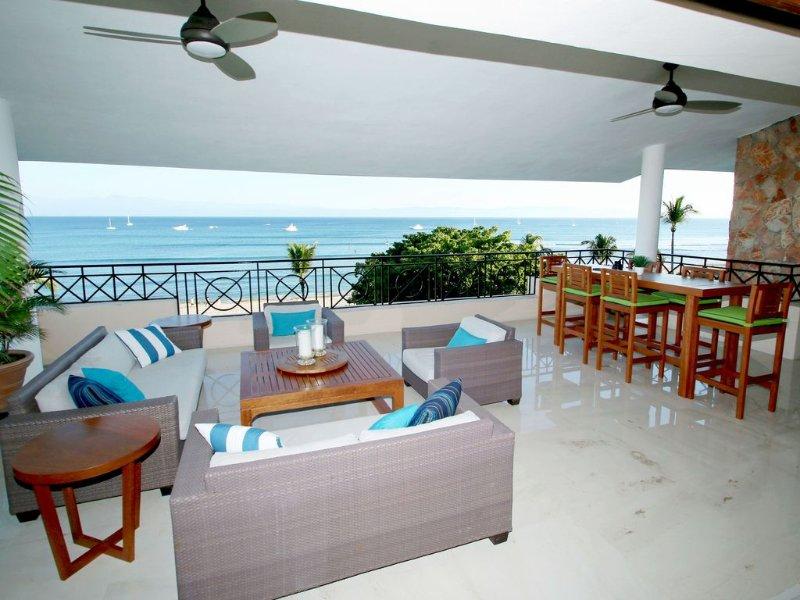 HDM Beachfront Penthouse - Premier/Cook, location de vacances à Punta de Mita