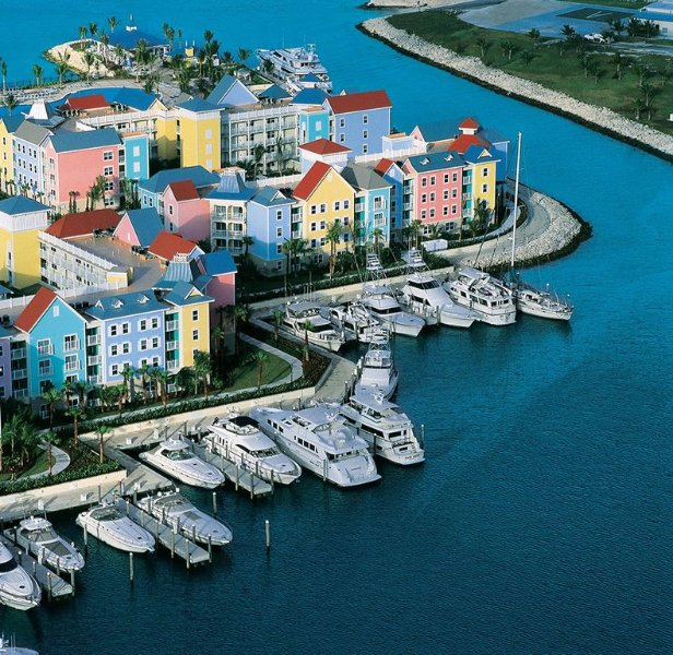 Harborside Atlantis 2 Bed Lockoff Villa avail April 14-21 only - Make an Offer!, holiday rental in Paradise Island