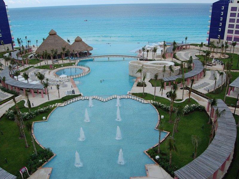 Westin Lagunamar- Spectacular oceanfront resort & spa, vacation rental in Cancun