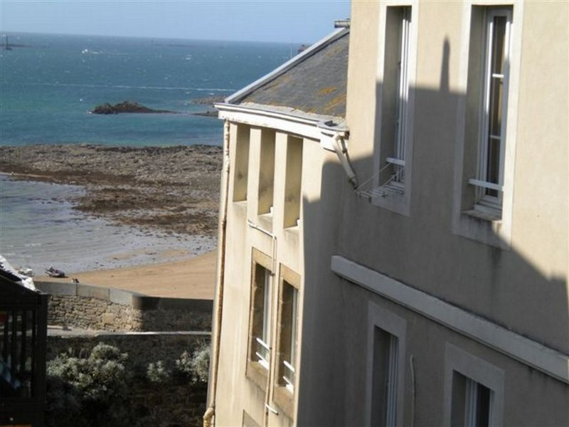 photo taken from the apartment