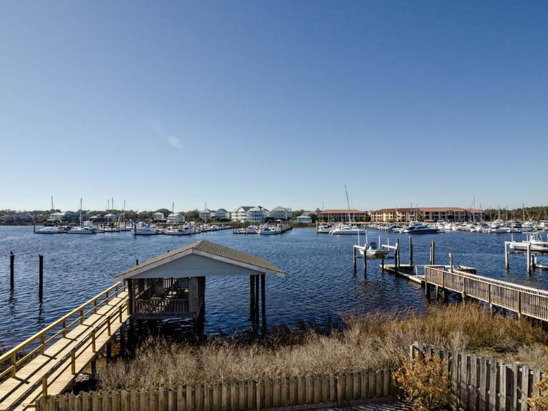 Soundfront pet friendly cottage with a boat house and panoramic views, holiday rental in Myrtle Grove