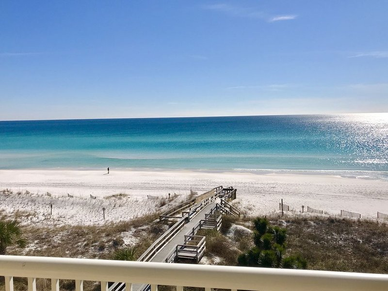 DIRECTLY ON the Gulf-3/18-4/1 DEALS! FREE Beach Service-Can't Beat the Location!, alquiler vacacional en Fort Walton Beach