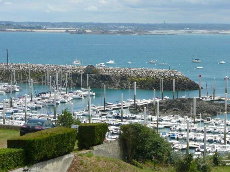 Charming duplex, terrace, living room, panoramic view over the Coast of Emeraude, location de vacances à Saint-Cast le Guildo