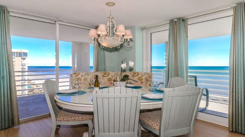 Spectacular Direct Oceanfront Residence in Kingston Plantation, vacation rental in Myrtle Beach