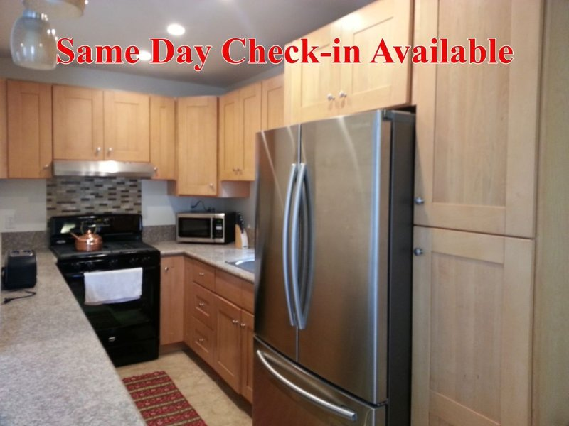 Relax 3 blocks from the beach! Same day check in avail!, holiday rental in San Diego