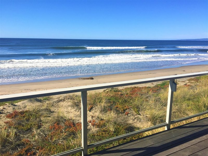 12/11-29! GREAT WIFI and A+ DISINFECT!  Mind-boggling Oceanfront 5-6 BD,4.5BA, holiday rental in Pajaro Dunes