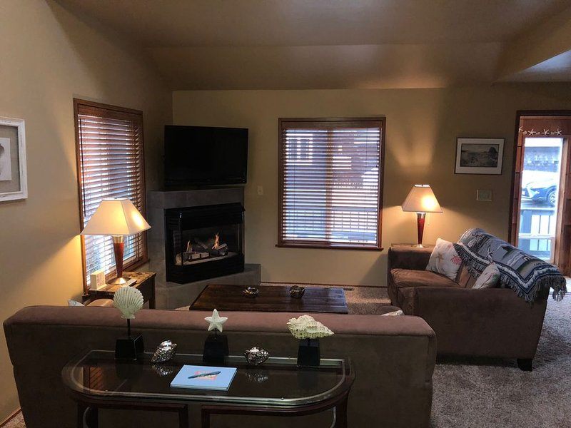Cozy front room with gas fireplace.