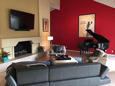 A Greenday Property: GOLF VILLA: 2 Master Suites, On Tournament Fairway, Inspiri, alquiler de vacaciones en Rancho Mirage