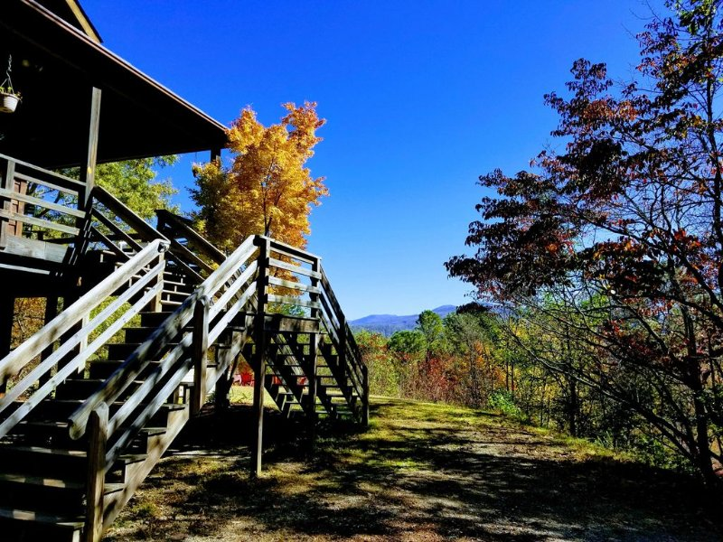 Relaxing Mountain House, Gorgeous Views, Close to Outdoor Fun, vacation rental in Bryson City