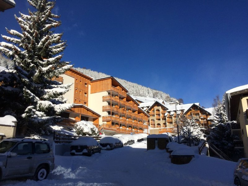 Modern, spacious and well equipped family ski apartment, holiday rental in Les Deux-Alpes