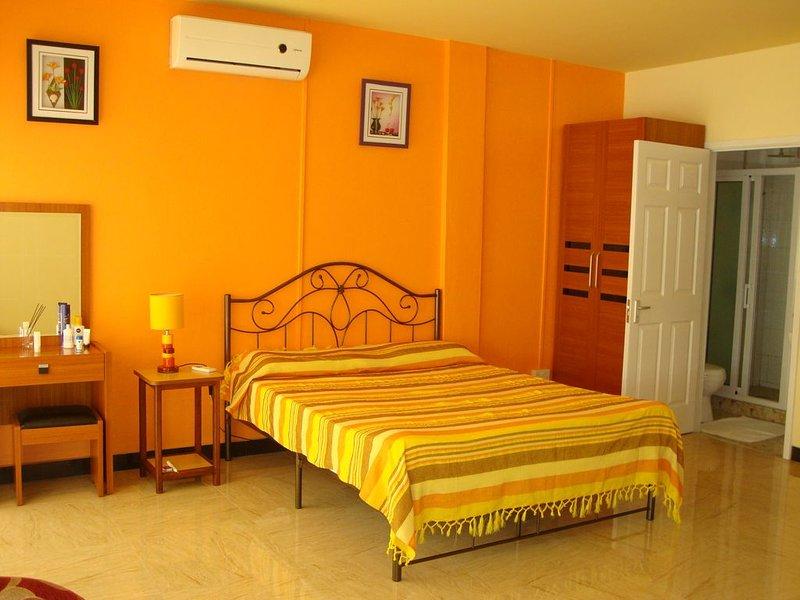 Sun Plaza Studio ,Modern 1st Floor accommodation ,Flic en flac Beach Resort, aluguéis de temporada em Flic En Flac