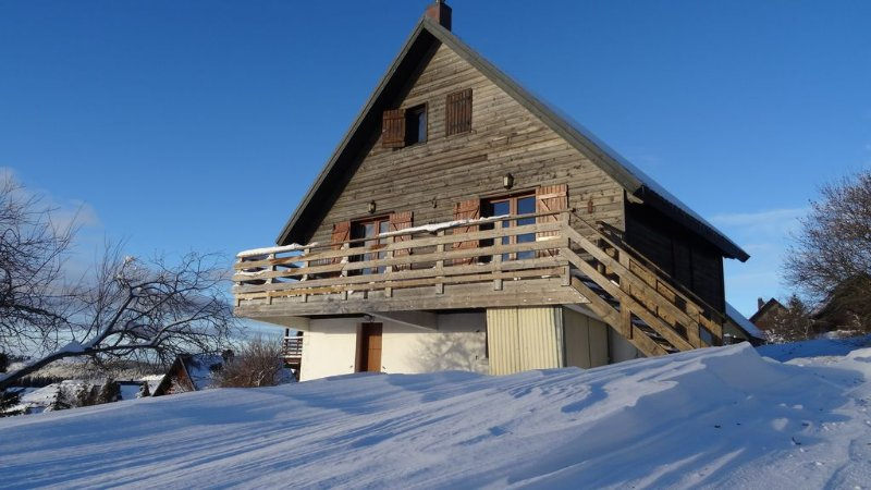 Chalet seen from south face