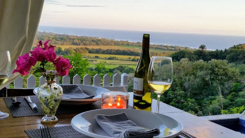 Romantic Private Villa Spectacular Ocean Views, Hiking To Waterfalls, Surf & SUP, location de vacances à Garabito Municipality