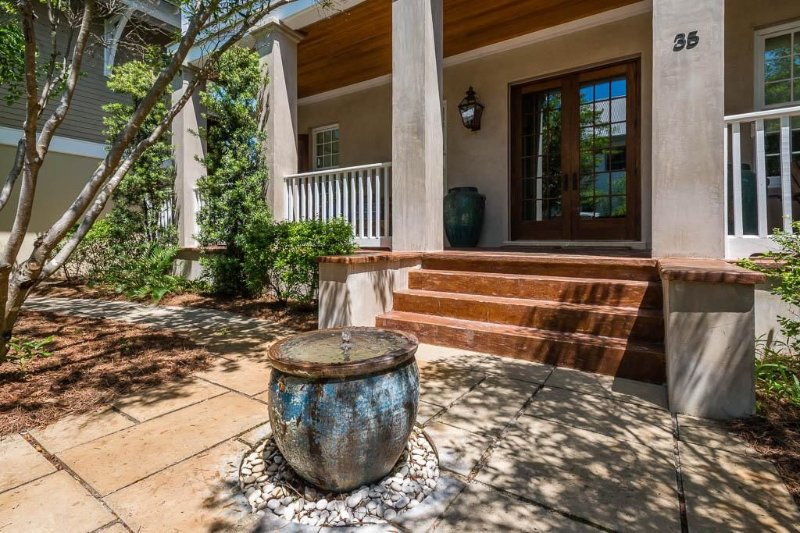 Sea Dog: South of 30A with Amazing Views from the Roof-Top Deck!, holiday rental in Rosemary Beach