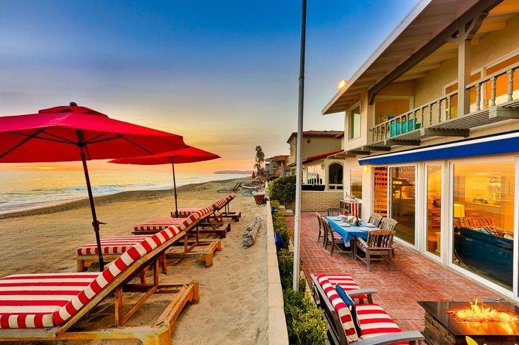 20% OFF FEB! Exclusive Beachfront Home w/ Jacuzzi + Unparalleled Views, aluguéis de temporada em Dana Point
