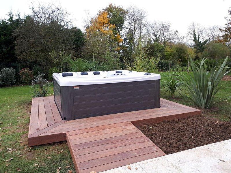 proche deauville. Location maison neuve piscine, holiday rental in Bonneville-sur-Touques
