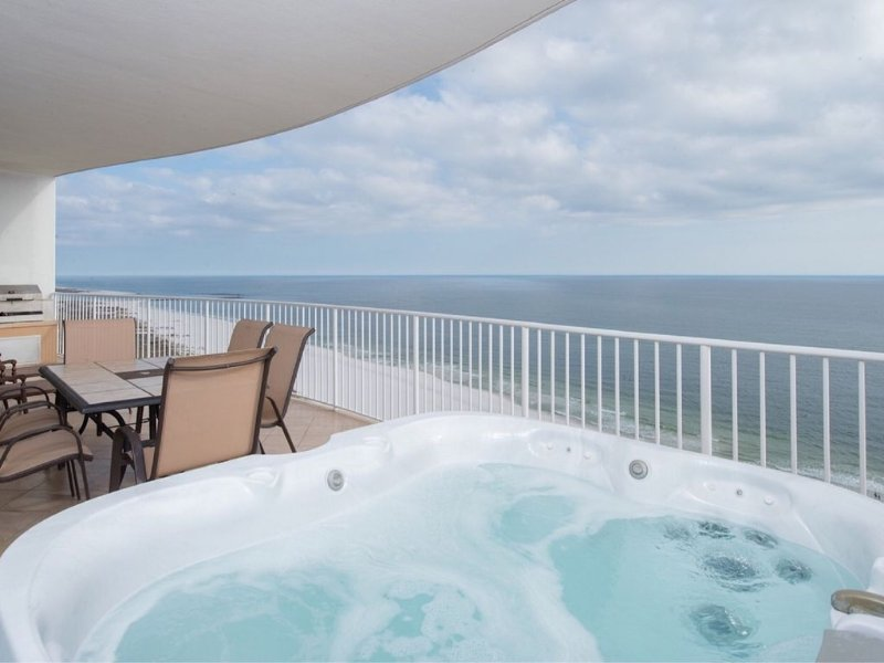 Book Easter NOW! Turquoise Place 3 BR in Orange Beach! Private Hot Tub&Gas Grill, vacation rental in Orange Beach