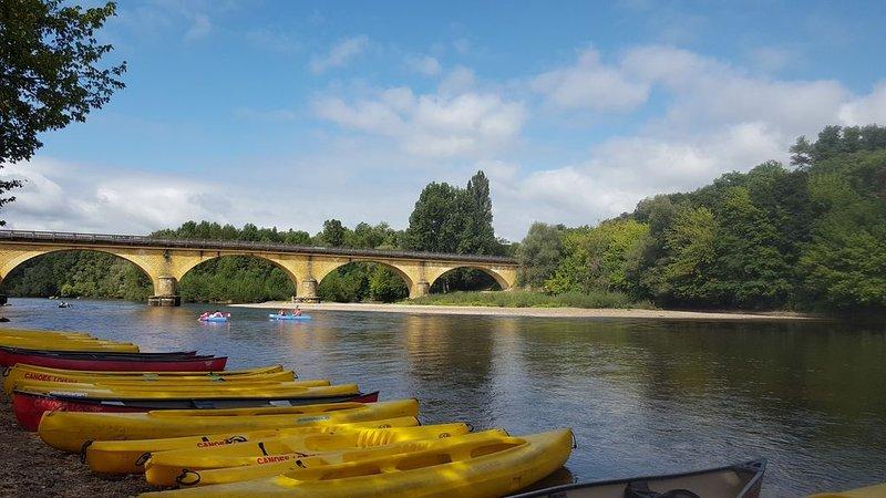 Fuori canoe sul Dordogne