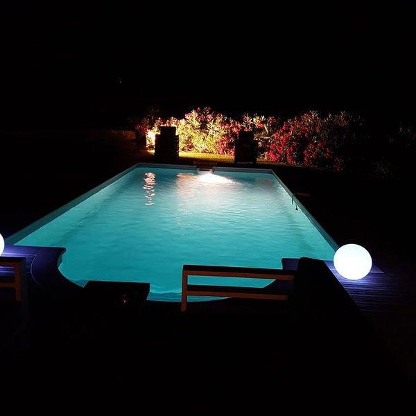 villa  piscine privée , 1 km  plages  Cavalaire, holiday rental in Cavalaire-Sur-Mer