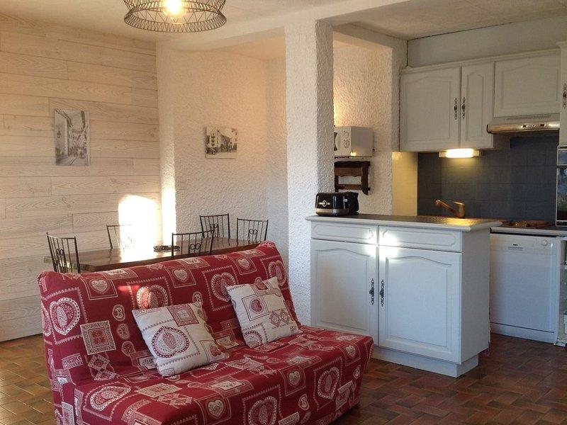 Briançon serre chevalier,Bel appart ensoleillé,indépendant dans villa, 3***Wifii, holiday rental in Briançon