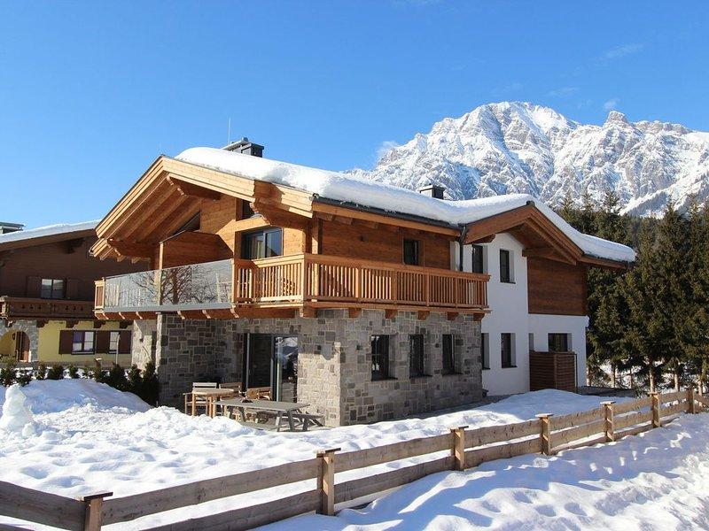 Luxurious Chalet at the edge of Leogang (skiing region Saalbach-Hinterglemm) wi, casa vacanza a Saalfelden am Steinernen Meer