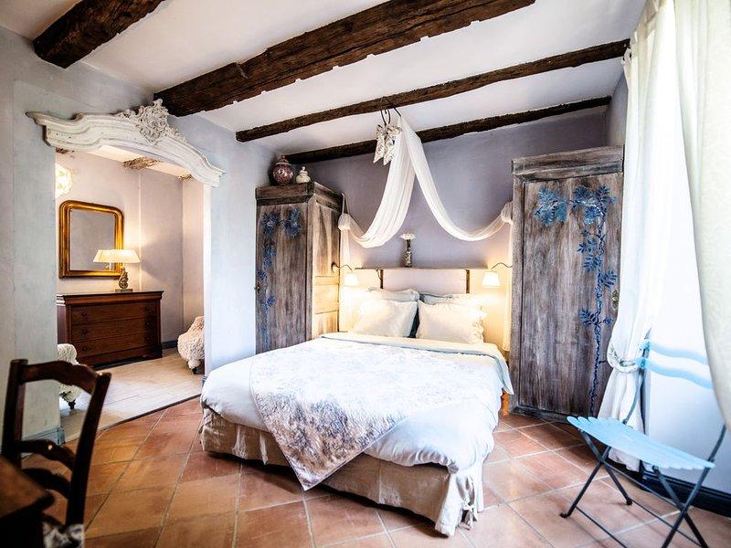GITE DE CHARME, PRES DORDOGNE ET ROCAMADOUR, PISCINE CHAUFFEE, HAMMAM, CARDIO, holiday rental in Cressensac