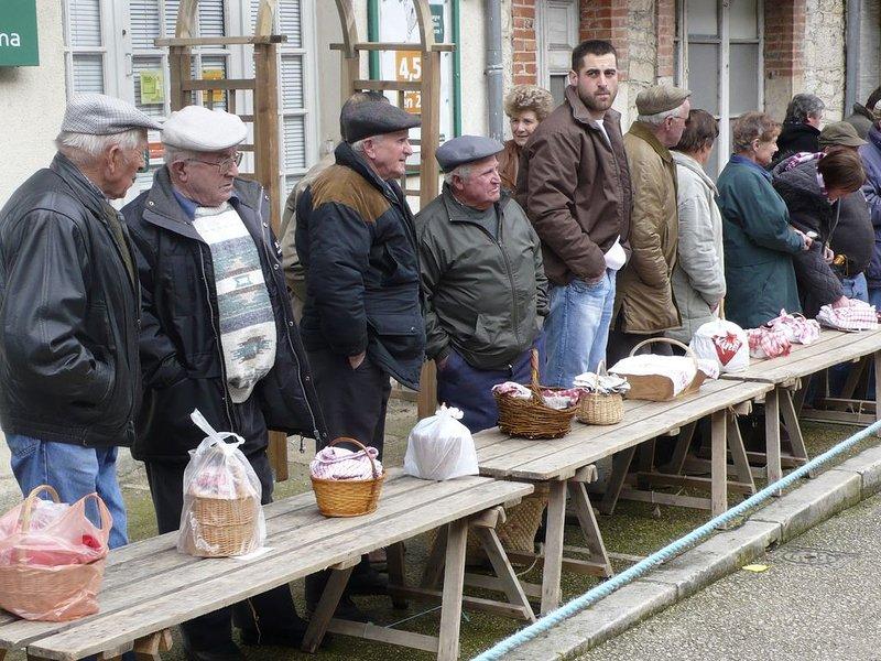 Mercado de la trufa: invierno, turismo y gastronomía a medida