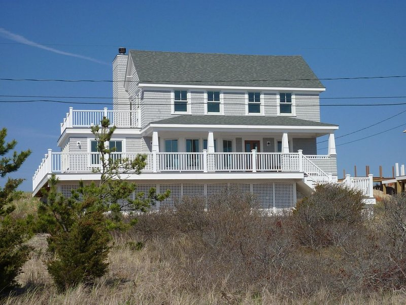 Recently Constructed Oceanfront Contemporary Home - Breathtaking Views, holiday rental in Sandwich