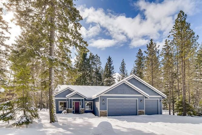 3-for-4 Jan Special, Secluded Rambler Near Suncadia |Slps8| Hot Tub,Game Room, vacation rental in Ronald