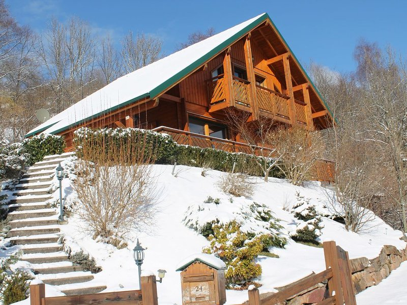 Chalet 10 people / 4 ch - Sauna / Jacuzzi - exceptional view - calm, location de vacances à La Bresse