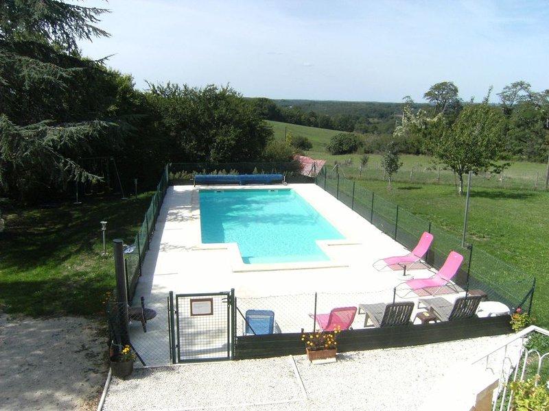 Gîte le plantier*** 4 à 12  pers avec piscine privée entre Sarlat et  Rocamadour, location de vacances à Saint-Aubin-de-Nabirat