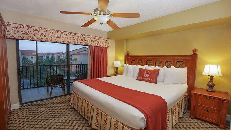 BEAUTIFUL 2 BEDROOM AT LAKES RESORT NEAR DISNEY UNIVERSAL SEA WORLD, casa vacanza a Windermere