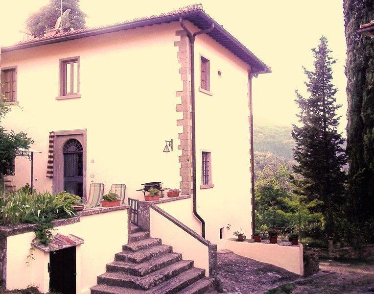 Appartamento Antico Camino in villa a 18km. da Firenze nel Chianti Valdarno, location de vacances à San Donato in Collina