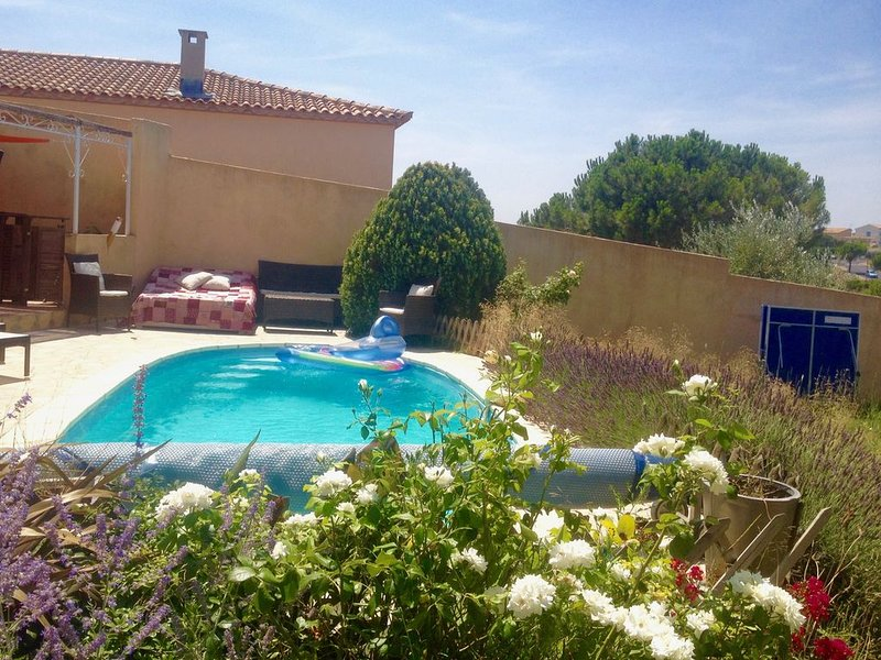 Villa de 100m2 avec Piscine aux portes de Montpellier, casa vacanza a Grabels