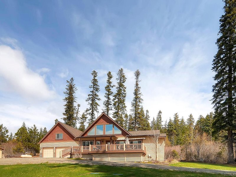 2-for-3 March! Stunning Luxury Home Near Suncadia|Heated Game Rm, Hot Tub, casa vacanza a Cle Elum