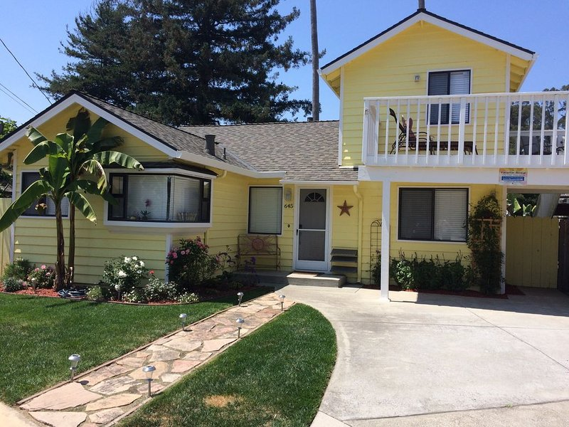 Bright and Colorful - Short walk to the Best Beaches in Town!, vacation rental in Santa Cruz