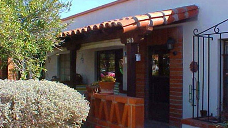Southwestern-Style Vacation Casita, holiday rental in Sahuarita