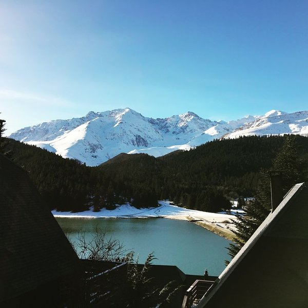 Agréable CHALET 6 personnes dominant le lac, vacation rental in Arreau