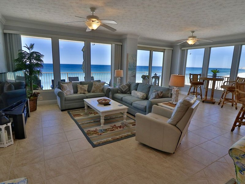 Recently updated Treasure Island 3BR end unit. HUGE balcony!!, vacation rental in Panama City