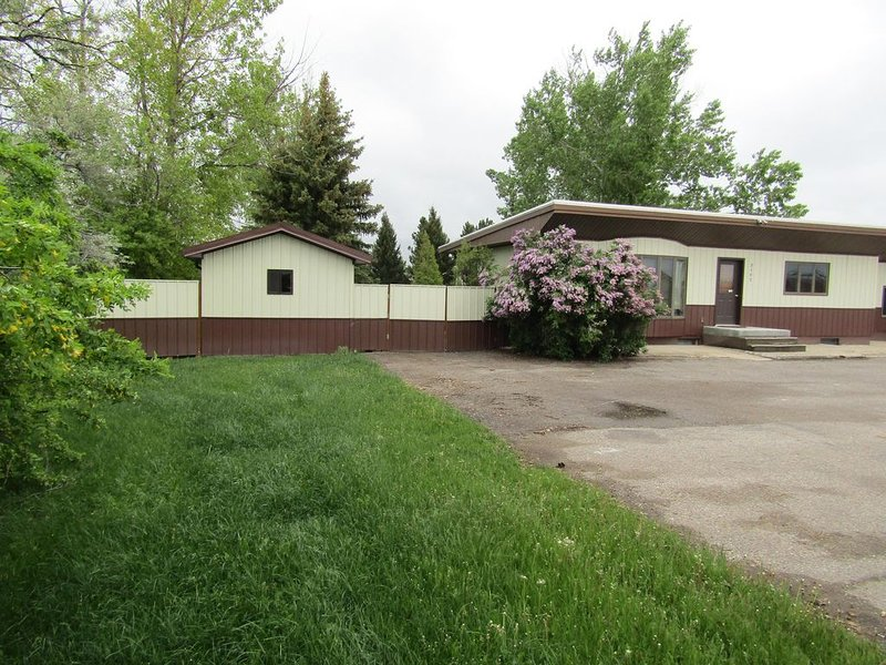 Private Lewistown Retreat, Close To Town, Super Private. Pet Friendly, holiday rental in Lewistown