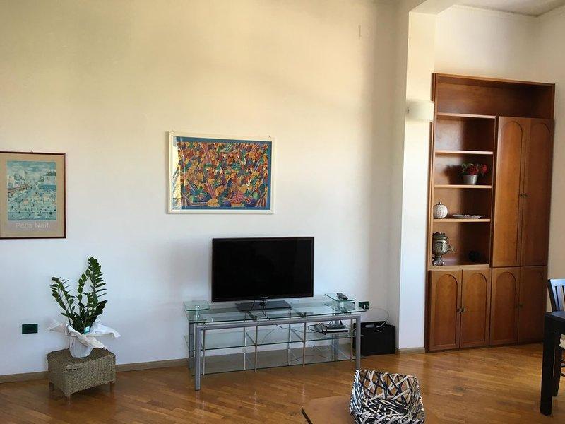 Appartamento luminoso e centrale, bright and central apartment,helle und zentral, alquiler de vacaciones en Cagliari