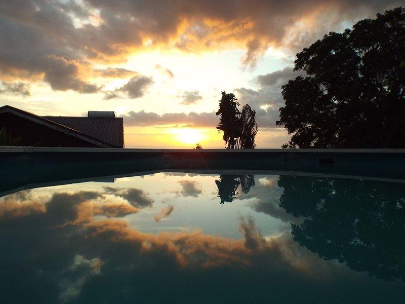 Vue sur la mer des Caraïbes!  Les villas de tisource, casa vacanza a Pointe-Noire