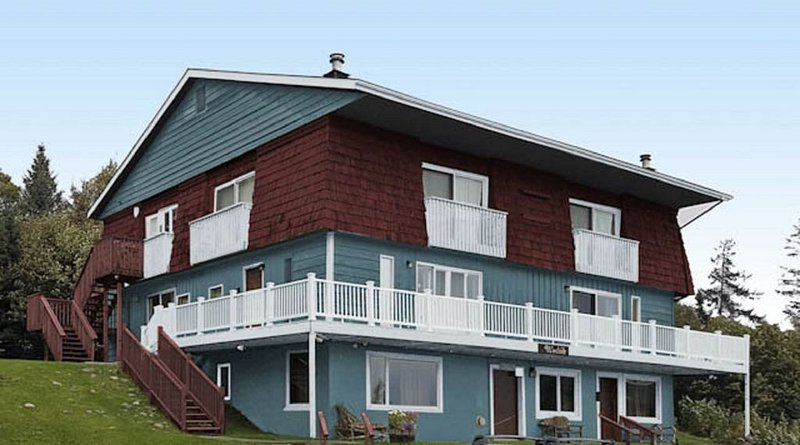 Modest Suite In Downtown Homer, Walking Distance To All Attractions, vacation rental in Homer