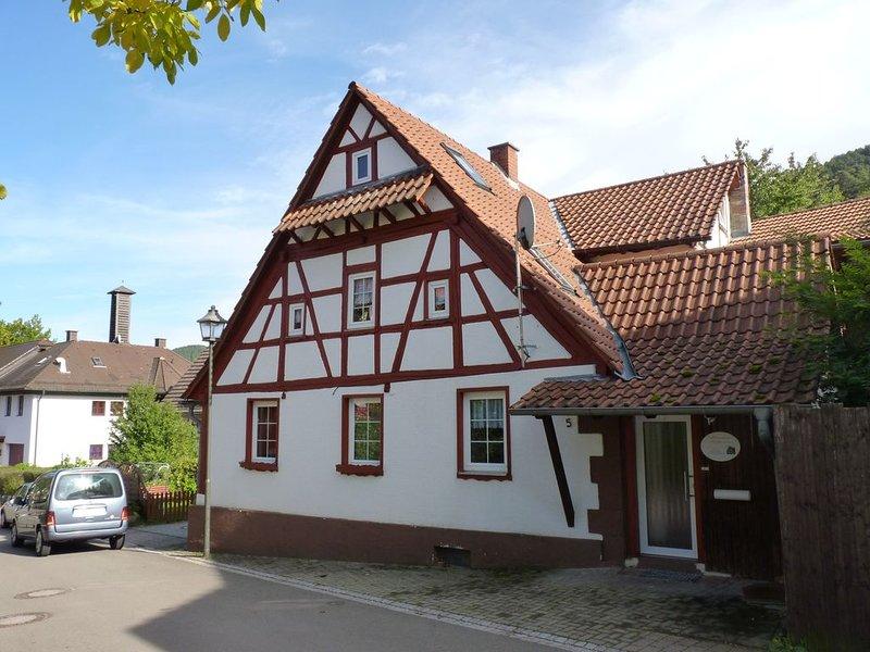Uriges und komfortables Fachwerkhaus mitten im Pfälzer Wald, holiday rental in Hauenstein