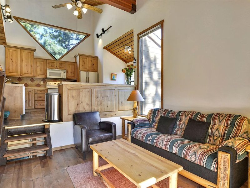 Alpine Meadows Endless View - Blum Home, vacation rental in Olympic Valley