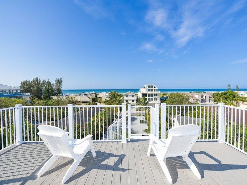 $500 OFF- Private Pool w/ Swim Up Bar and Rock Slide -  Dock w/ Gulf Access - P, aluguéis de temporada em Siesta Key