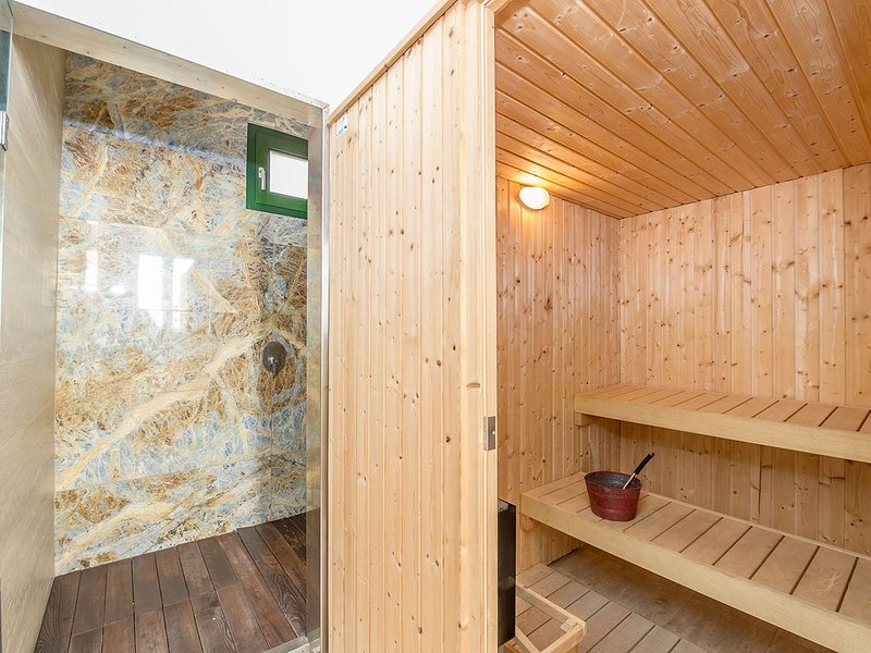 Shared sauna with the 4 properties