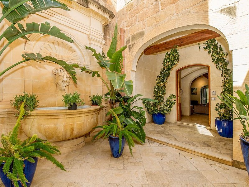 Inner courtyard of the Hamlets