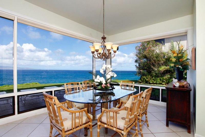 Gorgeous Oceanfront, UNOBSTRUCTED *180 views, beyond gold, location de vacances à Kapalua