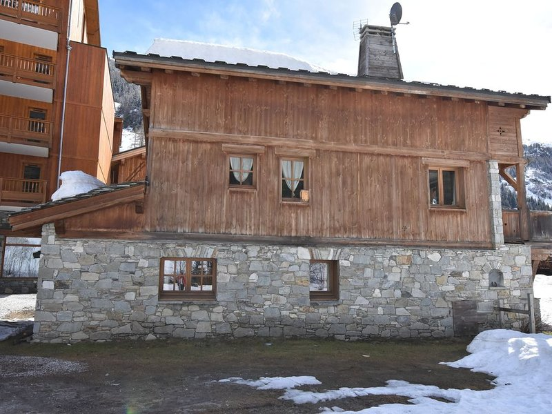 Near the vast Espace Killy ski-area (300 km) and so close to the ski-lift., holiday rental in Tignes